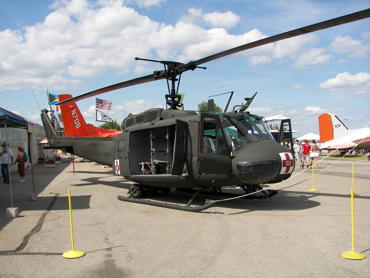 air crane helicopters with Photos Aviation Helicopter on Oregon and the film industry in addition File IAF UH 60 after birds strike outside additionally A2 25 17 01300000668094128106172113648 likewise Helicopter Tail Rotor furthermore Downwash.